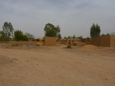 Häuser in der Nachbarschaft der PKA